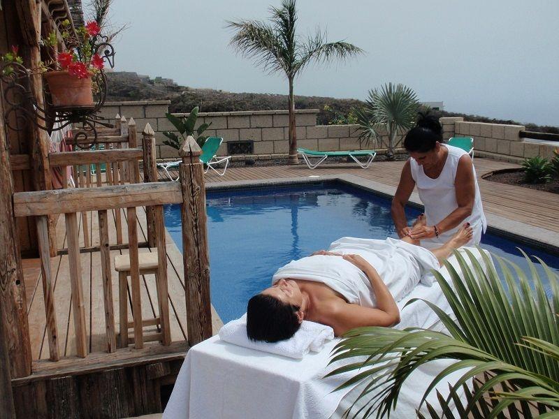 Massage Am Pool